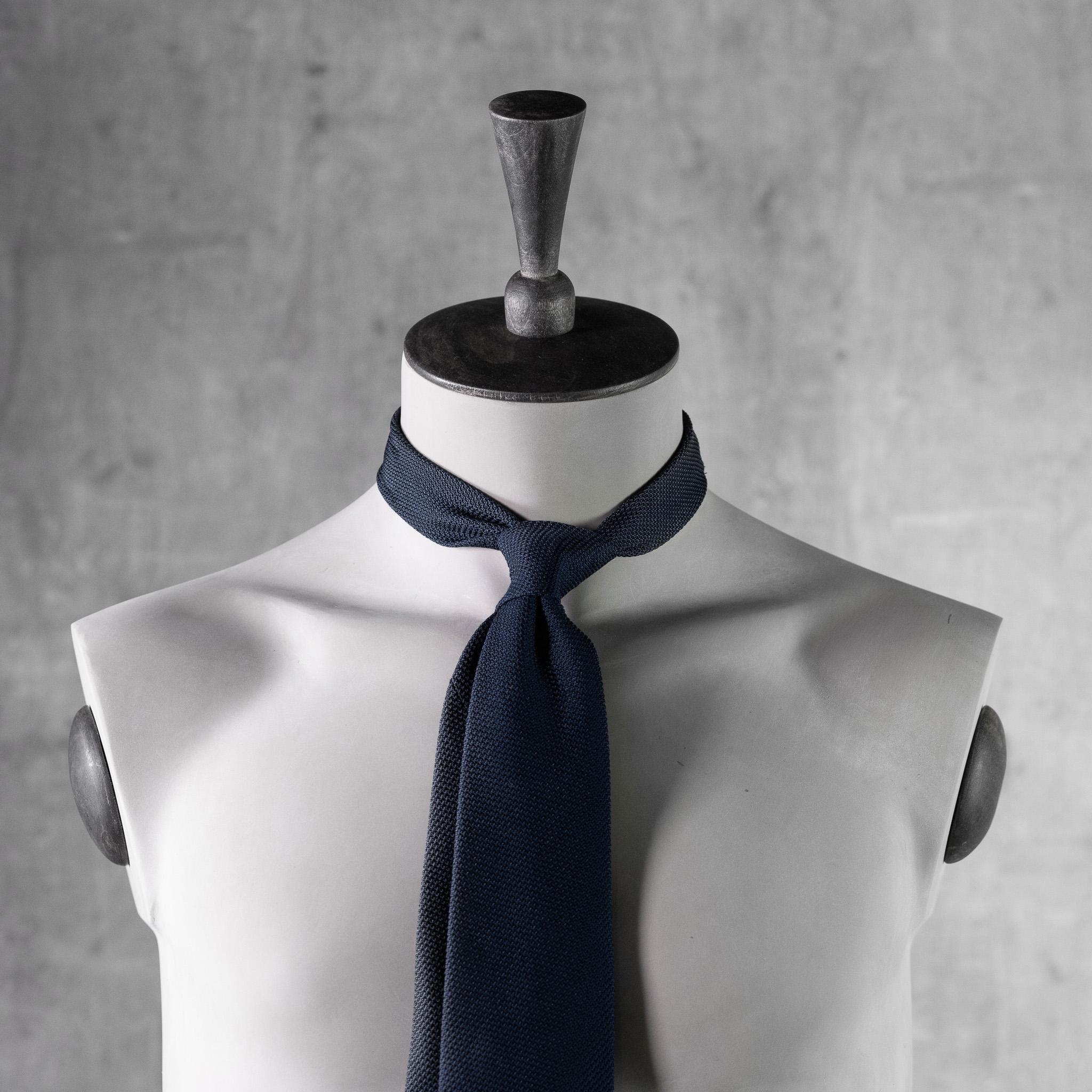 GRENADINE-0509-Tie-Initials-Corbata-Iniciales-The-Seelk-4