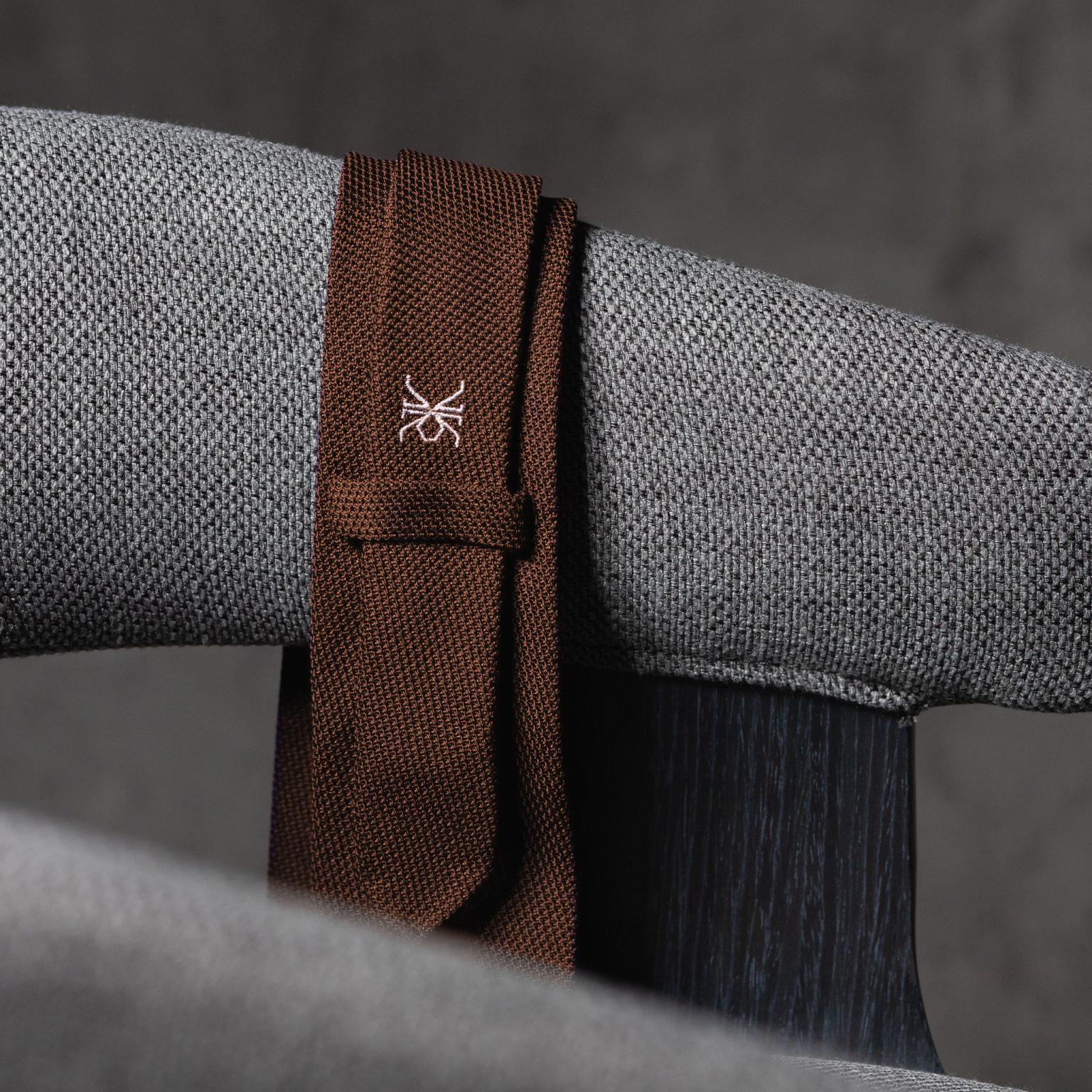 GRENADINE 0152 Tie with initials The Seëlk – 3