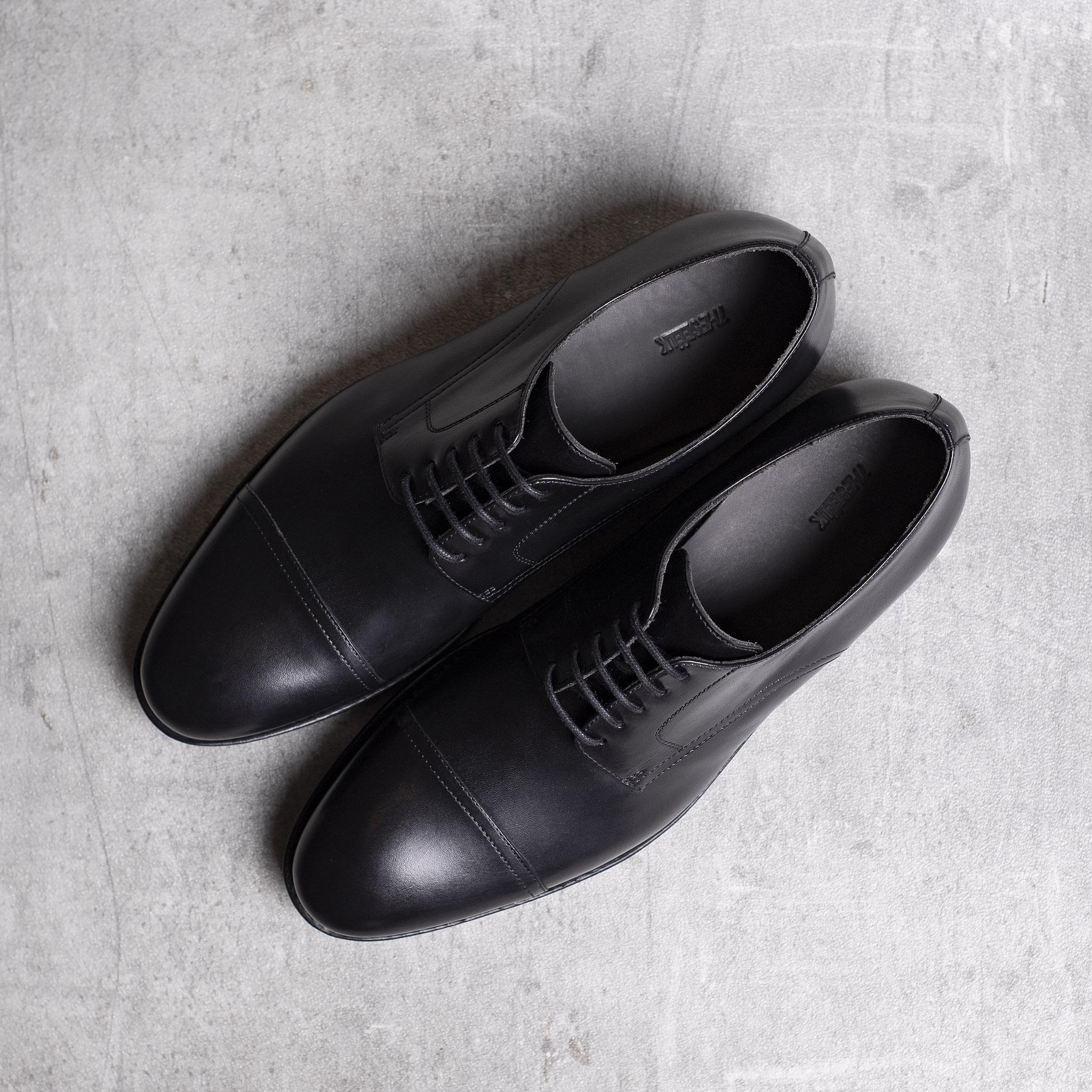 DERBY · 0649 Black leather The Seëlk 1