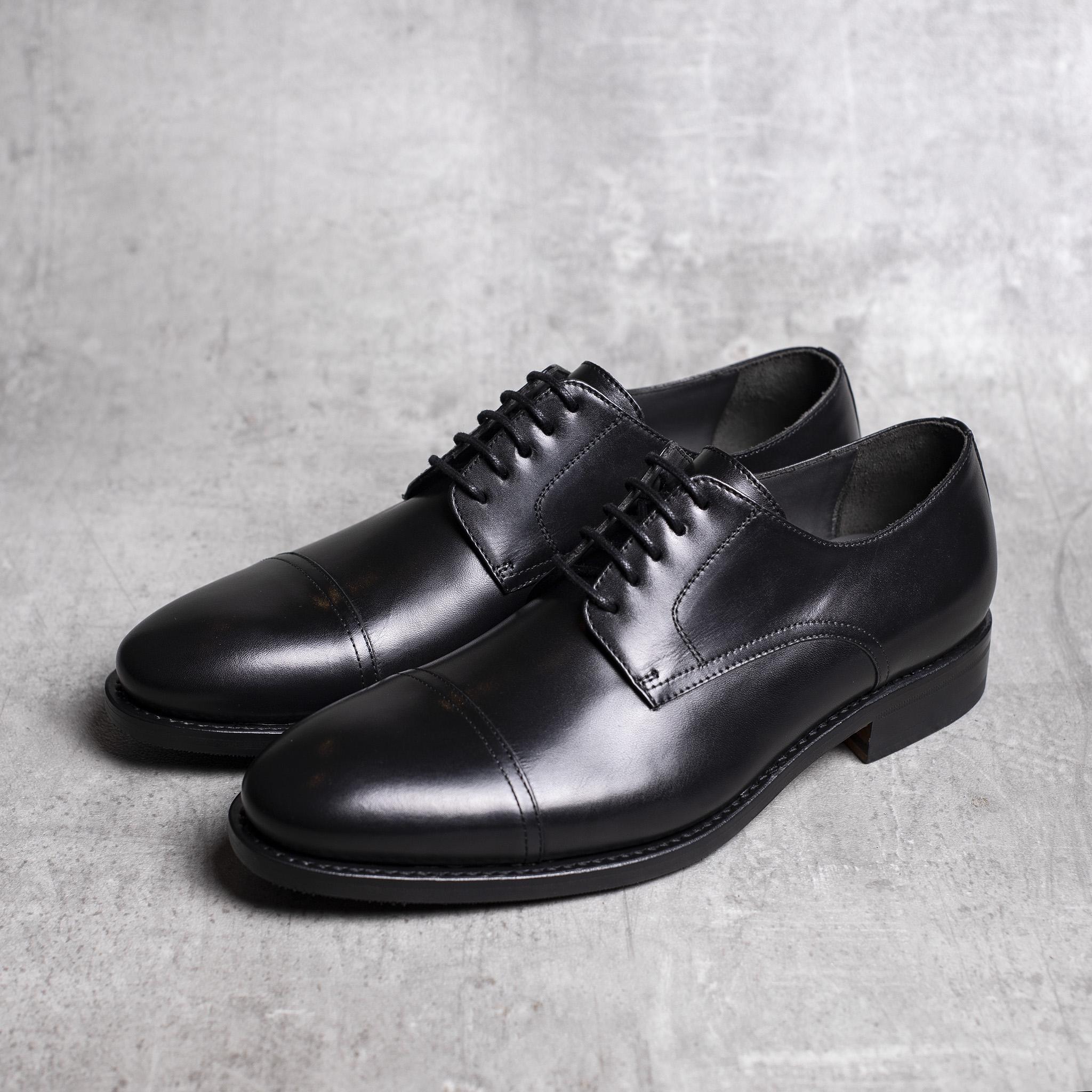 DERBY · 0649 Black leather The Seëlk 2