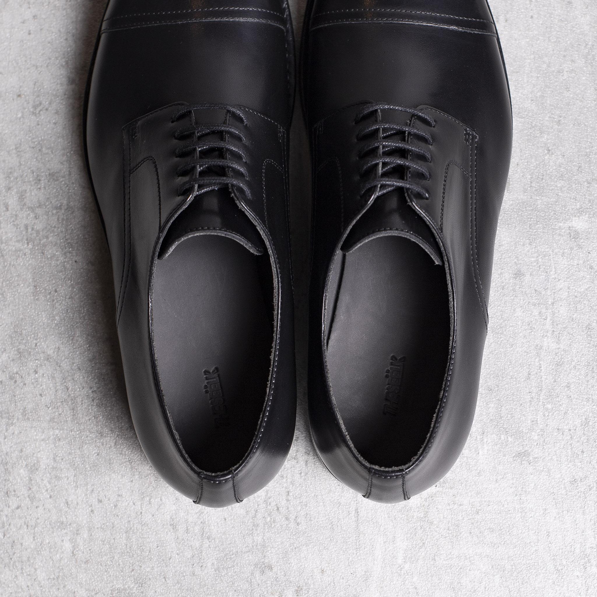 DERBY · 0649 Black leather The Seëlk 4